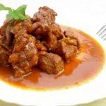 Bocconcini di vitello con salsa di cipollotti