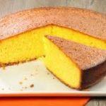 Una torta semplice senza uova e burro