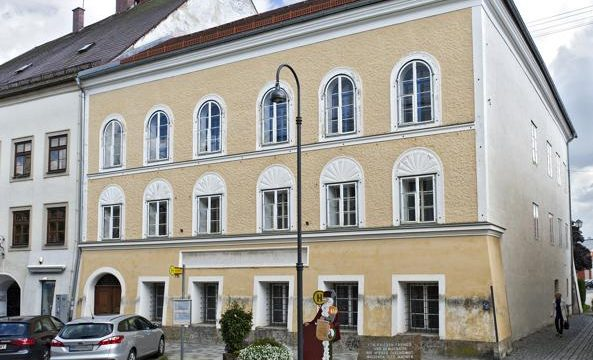 Austria sarà demolita la casa di Adolf Hitler