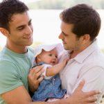 Storica sentenza Si ad adozione da parte di coppia gay