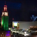 Miami si colora con l'arcobaleno in ricordo delle vittime del Pulse