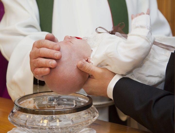 Francia nuovi battesimi gay-friendly