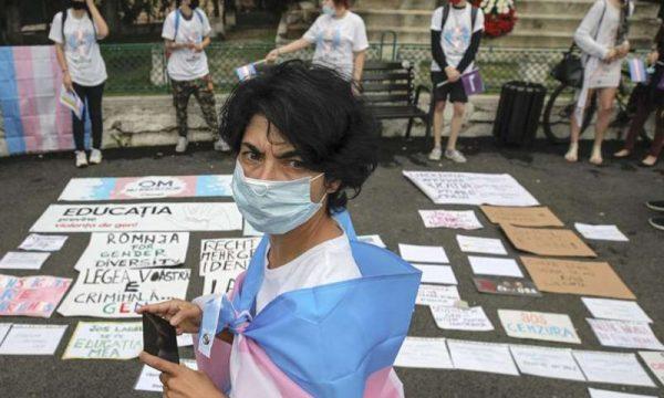 La Romania vieta per Legge gli studi sull'identità di genere