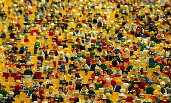 Lego: 'Stop alle etichette di genere sui giocattoli'