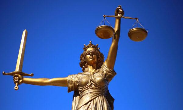 Modena, un giudice autorizza il cambio di sesso a una 17enne